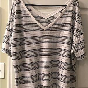 Gap Women's XXL Wide V Neck T Shirt